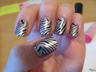 Stunning List of Zebra Nail Art Designs-s