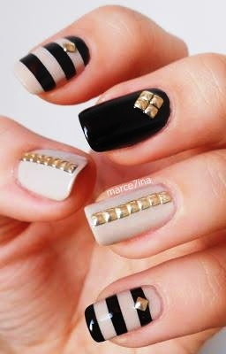 Nail Art Trend 43 Studded Large Msg 136658641332