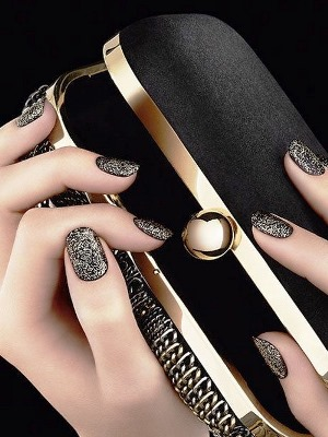 Natural Gold Nail Art Ideas Amazingnailart