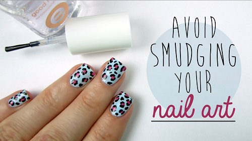 How to Keep Your Nail Art From Smudging with Top Coat
